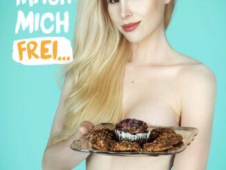 """Ariane Sommer für PETAs Kampagne """"Mach dich eifrei"""" / © Photo by ManfredBaumann.com für PETA Deutschland e.V."""
