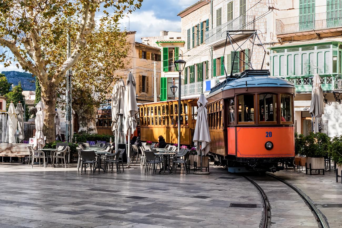 © Bild: Gemaco Media | Fussgängerzone auf Mallorca Sollér